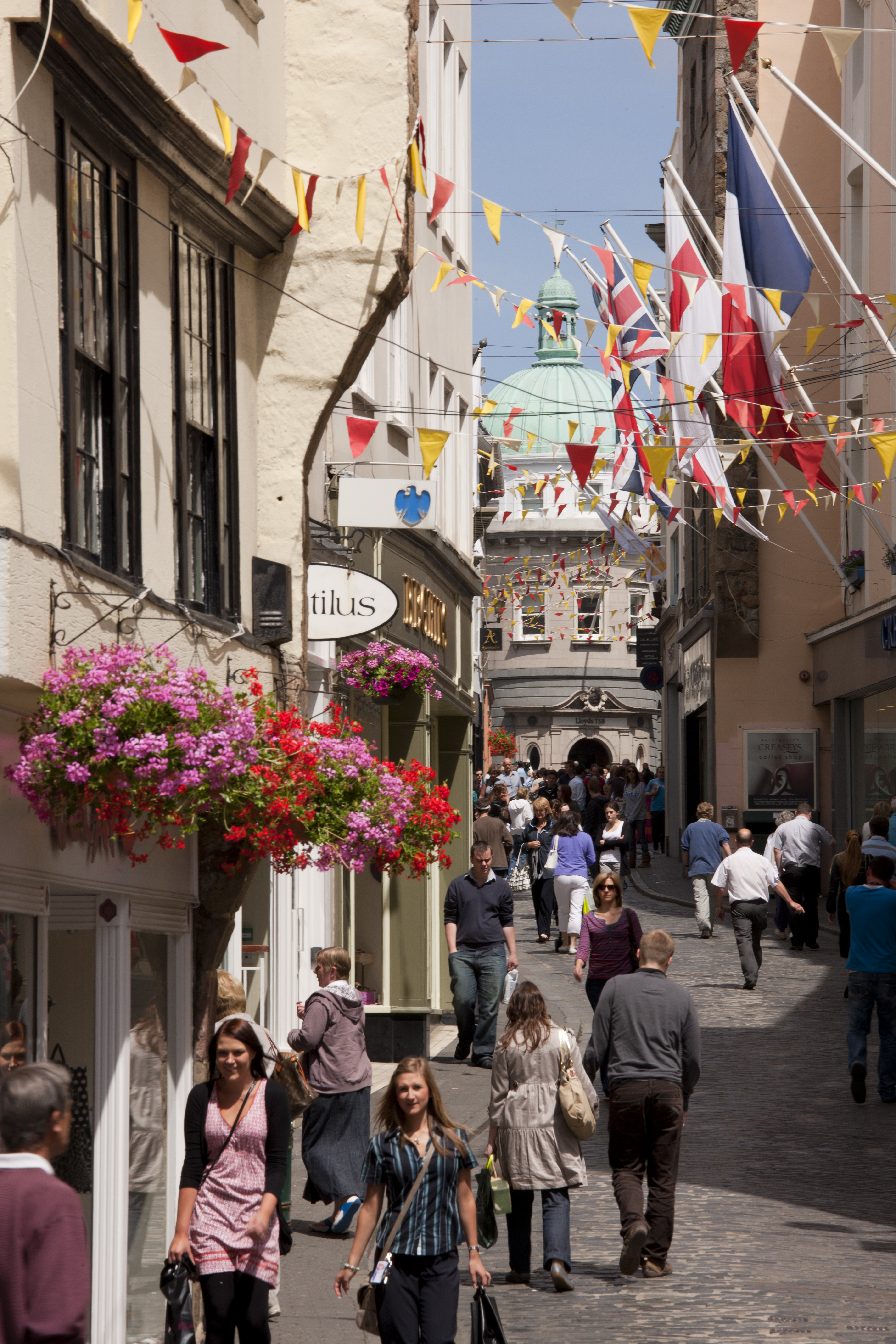Guernsey - town-alley