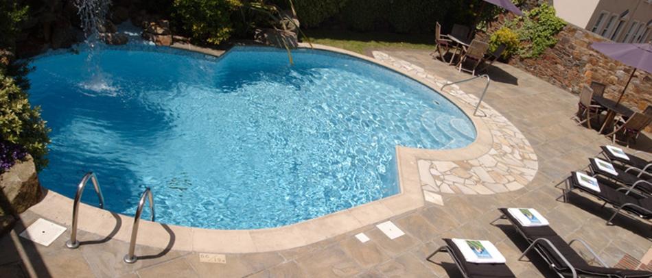 Club Out-Door-pool-terrace