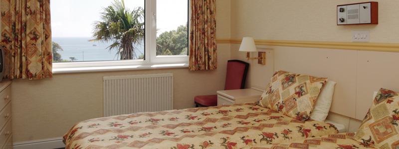Miramar Hotel - bedroom 3