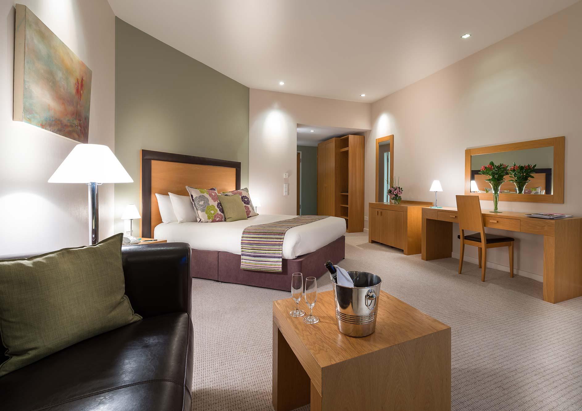 HoteldeFrance Room