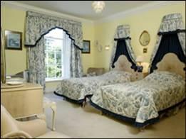 Riverhouse Bedroom twin
