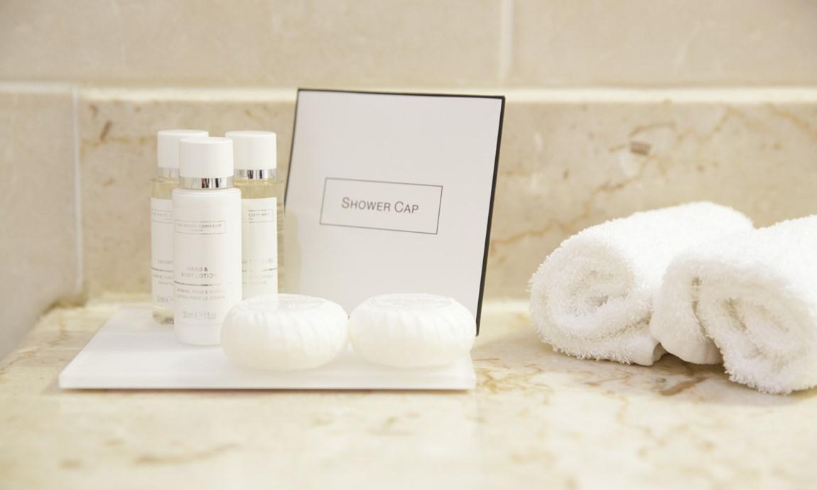 Pomme dOr Complimentary shampoos
